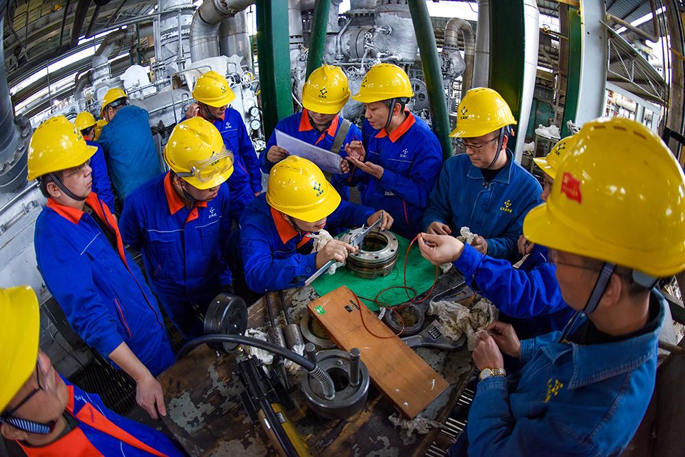 专业技术人员对备件进行精准测量